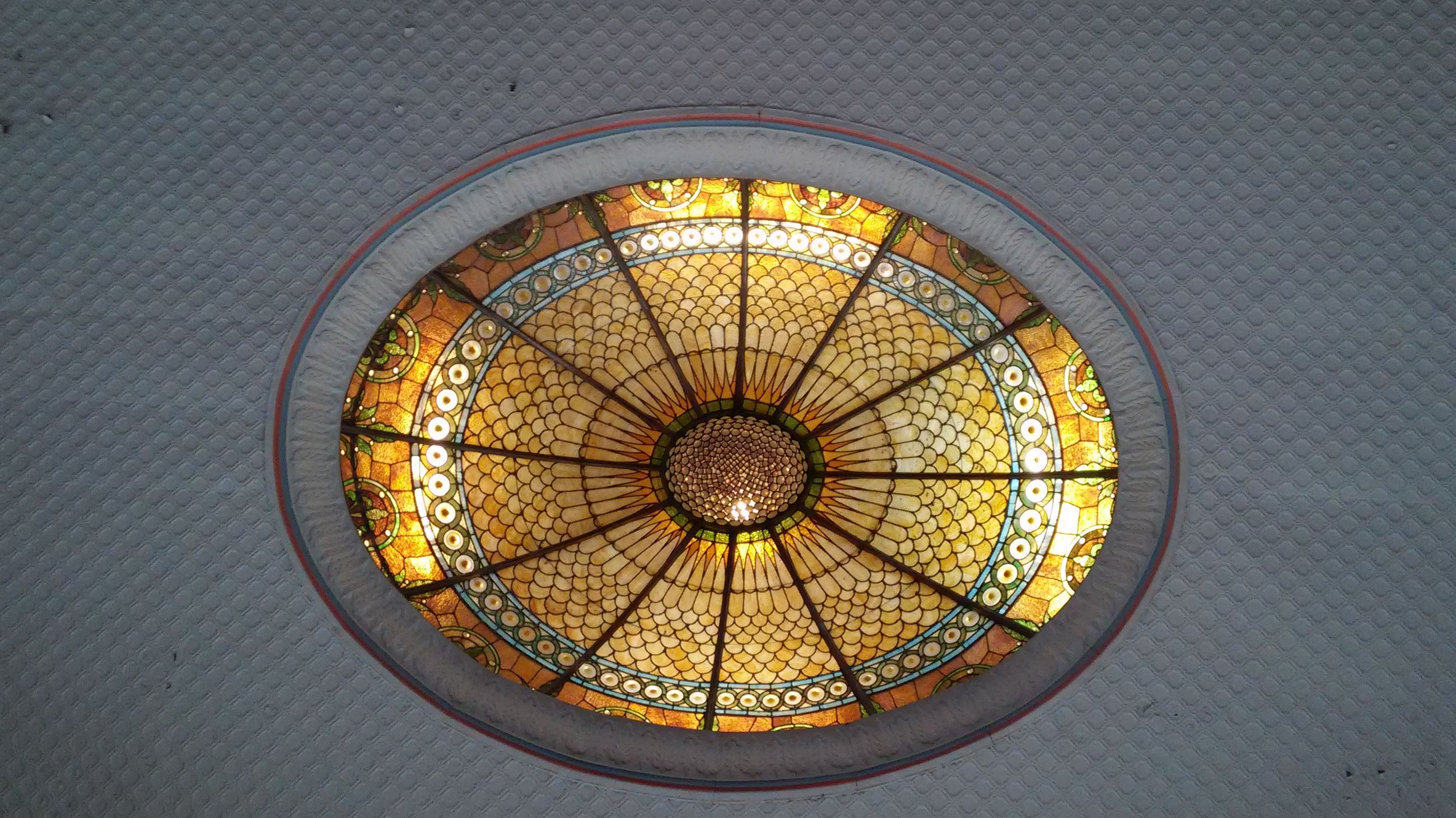 Ceiling Center in the Common Pleas Courtroom